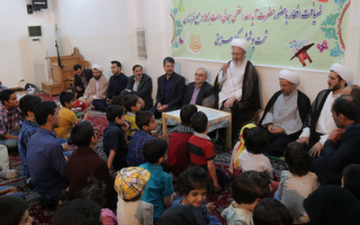 آیتالله سبحانی در جمع فرزندان تحت پوشش مراکز بهزیستی