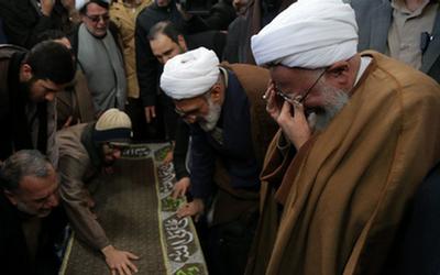 بدرقه غمانگیز استاد برجسته اقتصاد اسلامی به خانه ابدی