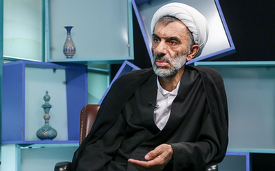 استخراج ابعاد اقتصاد اسلامی و تحریم انواع حیلههای ربا از سوی امام خمینی(ره)