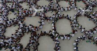 از افطاری دستهجمعی تا دعا برای آزادی قدس؛ تصاویر رویترز از ماه رمضان