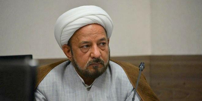 کسی که میگوید روحانیون در سیاست نباشند، چرا برای پزشکان یا قومیتها، این مسأله را مطرح نمیکند؟!/ تشکیل حزب توسط روحانیون، خطا است