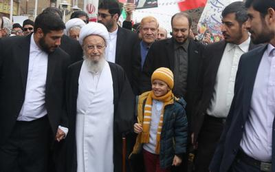 حضور مراجع، علما و روحانیون در راهپیمایی یوم الله ۲۲بهمن