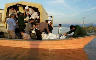 امداد رسانی طلاب در مناطق سیل زده