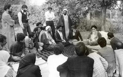 حضور امام خمینی در پاریس و نقش مرجعیت دینی/ مهدی سلحشور