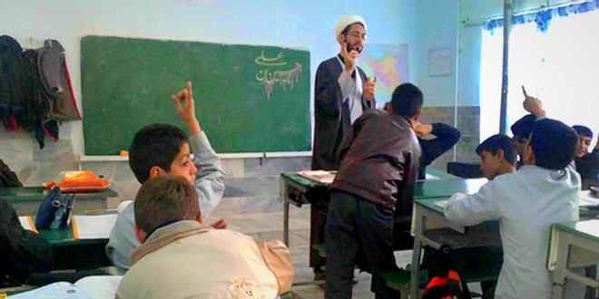 بر مؤمنین واجب است فرزندانشان را در مدارس عادی ثبت نام کنند/ مدارس مسجدمحور، زمینه اصلاح را از جامعه سلب میکند