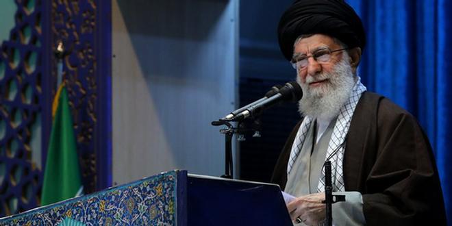 جامعهی ایرانی، جامعهی صبّار و شکور است/ جنتلمنهای پشت میز مذاکره، همان تروریستهای فرودگاه بغداد هستند/ روز پاسخ موشکی و تشییع شهید از «ایام الله» است/ ملت ایران نشان داد طرفدار مقاومت است/ دنیای اسلام باید صفحهی جدیدی بگشاید
