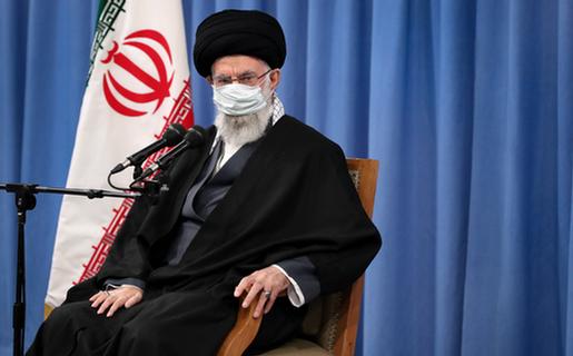 روزآمد کردن نرم افزارِ نظام اسلامی وظیفه فضلای صاحب نظر است/ فکر اسلامی مانع تصمیم ایران برای دستیابی به سلاح هستهای خواهد بود