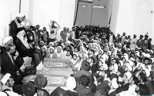 روحانیت اصیل و آفات آن از نگاه امام خمینی(ره)/ تخلف از فقه جواهری تهدیدی علیه حوزههای علمیه است