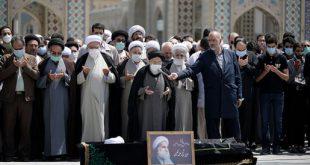 تصاویر تشییع و تدفین پیکر استاد علی حکیمی در حرم مطهر رضوی