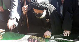تصاویری از مراسم تشییع و بدرقه پیکر علامه حکیمی در حرم مطهر رضوی