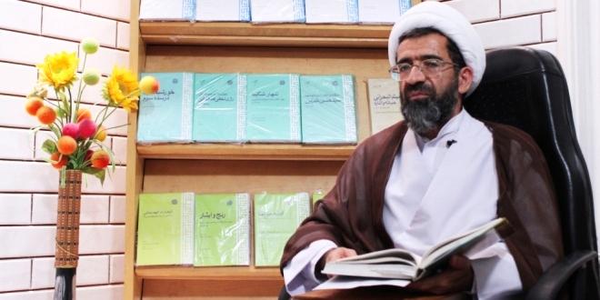امام موسی صدر الگویی موفق در انسجام امت اسلامی/ او یکی از عوامل ترقی شهید صدر بود
